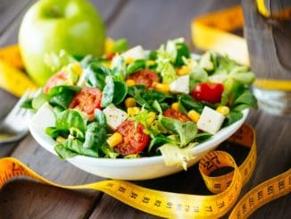 lose weight eating salads fruits